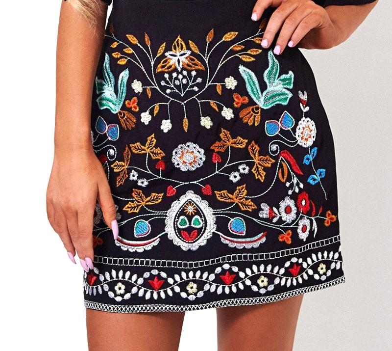 Женская вышитая юбка