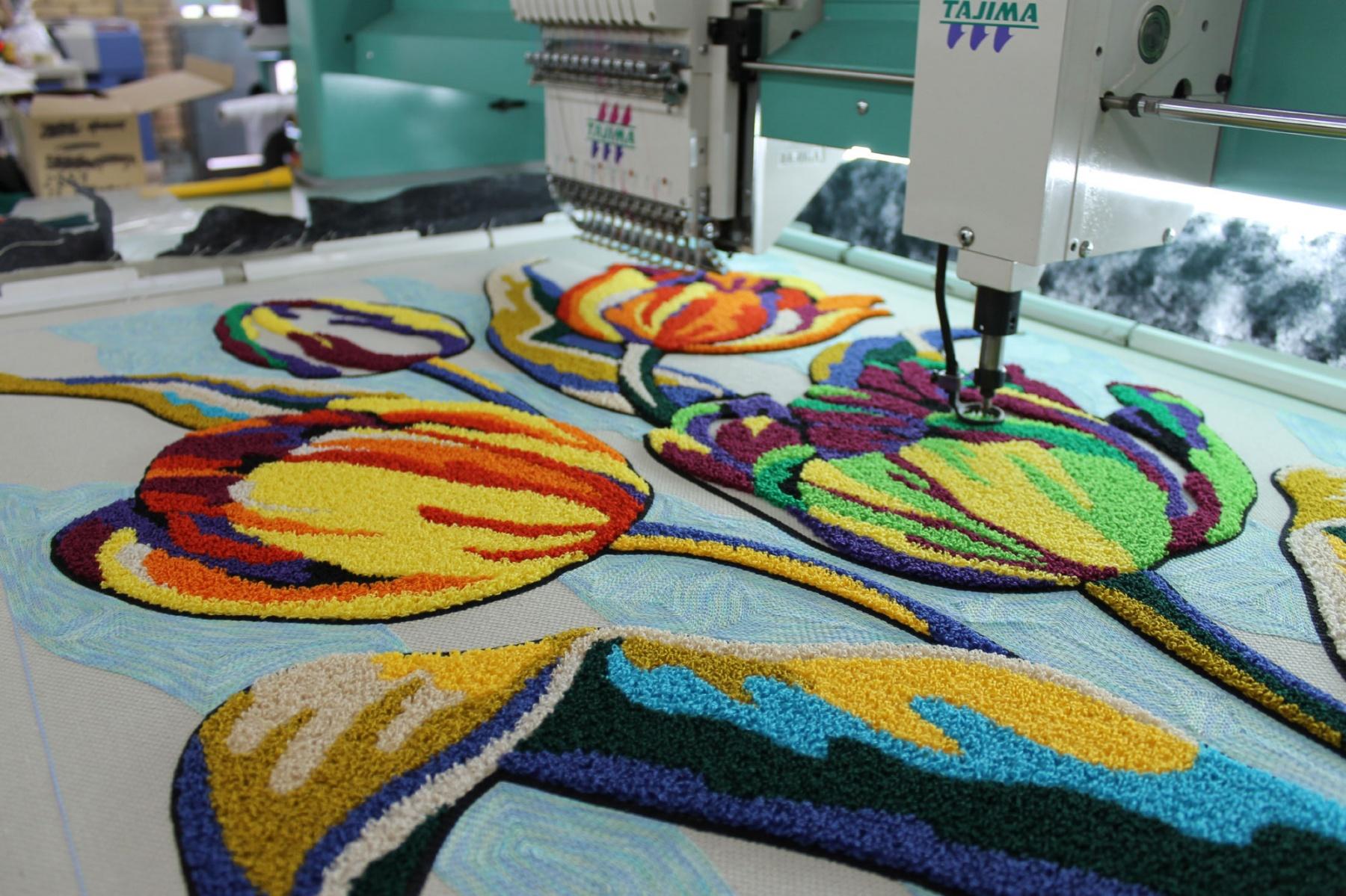 Машинная вышивка - идеальный вариант декора одежды